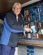 Mitarbeiter unserer Reparatur-Werkstatt
