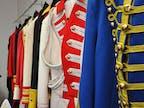 Uniformen und Kostüme
