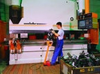 Modernste CNC-gesteuerte Abkantpressen